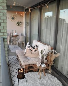 🌼B a l c o n y❤ I finally had the time to style our balcony again! The weat … 🌼B a l c o n y❤ I finally had the time to style our balcony again! The weather has been so beautiful in the past 2 weeks that I have decided that … … Small Balcony Decor, Outdoor Balcony, Balcony Decoration, Balcony Ideas, Balcony Bench, Narrow Balcony, Balcony Furniture, Outdoor Decor, Pallet Furniture