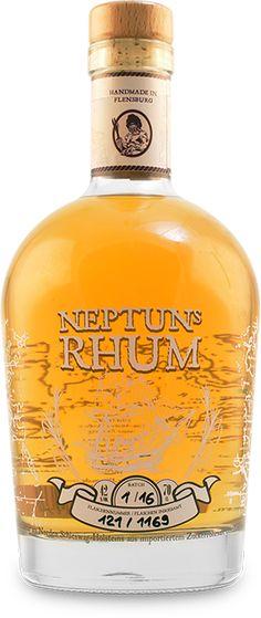 Neptuns Rhum Rum Bottle, Liquor Bottles, Whiskey Drinks, Coffee Drinks, Bottle Packaging, Beer Bar, Scotch Whisky, Wine And Spirits, Alcoholic Drinks