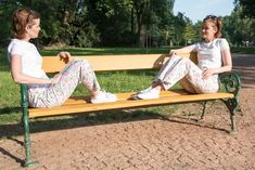 Tales from a Buttonhole: Květinové letní kalhoty / Floral Summer Trousers