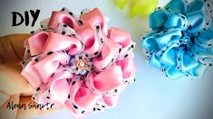 Satin Flowers, Fabric Flowers, Paper Flowers, Ribbon Crafts, Flower Shape, Shapes, Embroidery, Diy, Hair Bows
