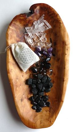 GROUNDING  PROTECTION KIT 34 stone set  crystal healer kit by Crystal Grids