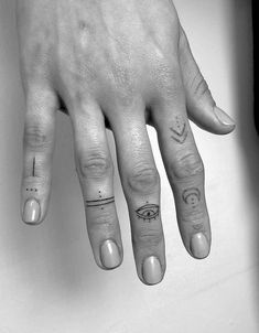 Tattoos - Finger Tattoos – – -Finger Tattoos - Finger Tattoos – – - Angeles Tattoo Ideas Female Unique Pictures New Ideas : Page 15 of 31 : Creative Vision Design The Best Small Tattoos You'll Want to Copy From Celebrities Small Finger Tattoos, Finger Tattoo Designs, Finger Tats, Henna Tattoo Designs, Tattoos For Women Small, Small Tattoos, Finger Dot Tattoo, Geometric Tattoo Finger, Hand Tattoo Small