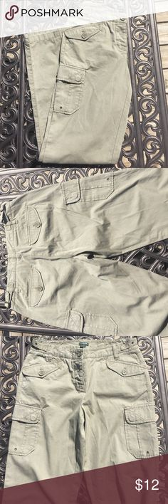 J Crew favorite fit cargo pants GUC J Crew favorite fit cargo pants.  Olive color with cute pockets on the sides, front and back. J. Crew Pants