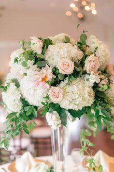 Wedding reception centerpiece idea; Photo: Melissa Arlena Photography