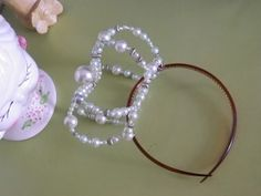 gothic lolita crown DIY - I'll try this with black and gold beads ♥