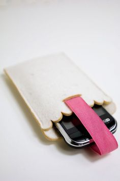 thick felt mobile phone case for iPhone or by PinkNounouLifestyle, €8.00