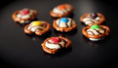 Belly Buttons from favfamilyrecipes.com - SO ADDICTING! #recipes #candy #treats