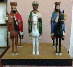 Reyes a Caballo por Isaac Laboy Reyes, Christmas Art, Puppets, Wood Crafts, Nativity, The World, Xmas, Births, Wizards