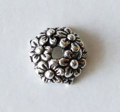 10 New Charms Flower Silver Plated Round Flat Spacer Beads 23mm