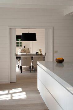 cuisine blanche lampe noire