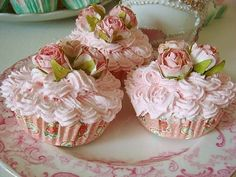 Pink cupcakes with roses