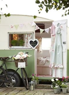 lovely shabby trailer- also good for a mobile craft room!