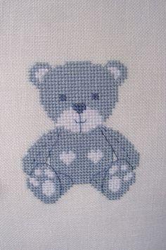Un petit ours bleu pour accueillir un petit garçon ; Cross Stitching, Cross Stitch Embroidery, Embroidery Patterns, Small Cross Stitch, Cute Cross Stitch, Baby Cross Stitch Patterns, Cross Stitch Designs, Baby Model, Baby Knitting