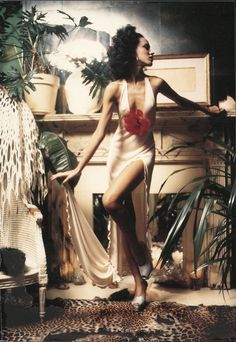 Pat Cleveland in 1972 wearing Stephen Burrows | Ph: Charles Tracy
