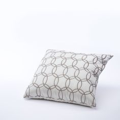 Pillow-Cream-Champagne-Infinity.jpg