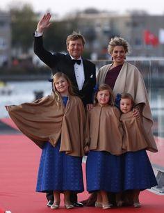 Koningin Máxima: de outfits van 30 april - http://www.fashionscene.nl/p/146730/koningin_maxima:_de_outfits_van_30_april