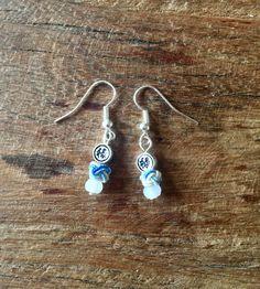 Boucles d'oreille noeud chinois bleu et jade
