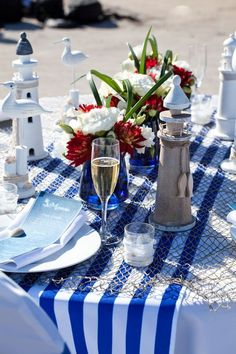 Blue and white for a sea theme table
