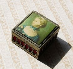 Vintage Jewelry Boxes for Women | Vintage Jewelry Box, Trinket Box, Fabric Woman's Portrait, Red Velvet ...