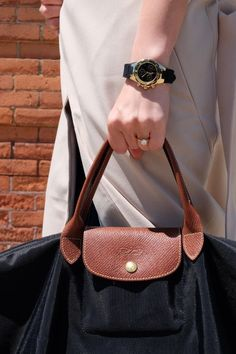 The Best Gift For Christmas! 2015 Cheap Longchamp handbags!! More less than $34.90!!! Pretty cool. Street Style Store, More And Less, Cloth Bags, Pretty Cool, Longchamp, Black And White Photography, Purses And Bags, Christmas 2015, Best Gifts