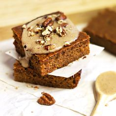 Paleo pumpkin bars are perfect for chilly weather. Thanks to detoxinista!