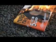 Kéfera, youtuber, queimou o livro da Kefera, youtuber queima livro da Ké...