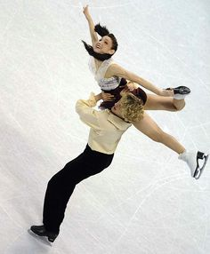 Meryl Davis and Charlie White Blades Of Glory, Meryl Davis, Dancing Figures, World Figure Skating Championships, Usa Olympics, Ice Skating, Skate, Athlete, Wonder Woman