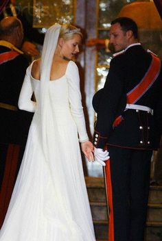The bridal couple; wedding of Crown Prince Haakon of Norway and ms. Mette-Marit Tjessem Høiby, August 25th 2001