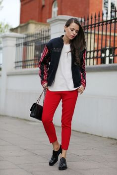 Red Pants Streetstyle by JD Fashion Freak Jd Fashion, Funky Fashion, Street Fashion, Womens Fashion, Coco Chanel, Red Pants, Funky Style, My Style, Preppy
