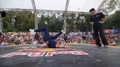 Breaking - The Final of the Red Bull BC One Cypher Switzerland between Baby OG and Shaymin. Street Culture, Red Bull, Seventeen, Switzerland, Finals, Basketball Court, Sports, Hs Sports, Sport