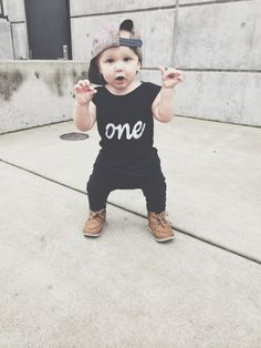 ONE organic romper // first birthday // one year photos // romper // baby boy // baby girl // unisex // organic cotton