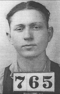 Clyde, captured in Middletown, Ohio, after his escape from the Waco Jail in Texas.