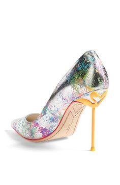 Flamingo heel pump http://rstyle.me/n/j3qt5nyg6