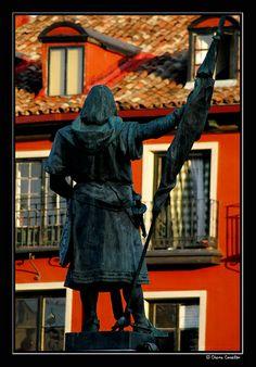 """Todo un clásico: Don """"Pero"""" Ansúrez, ..... viendo pasar el tiempo. Valladolid  Spain"""
