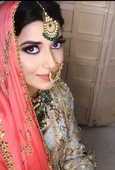 bridal jewelry for the radiant bride Stylish Jewelry, Fashion Jewelry, Punjabi Girls, Punjabi Suits, Pakistani Girl, Anarkali Suits, Nimrat Khaira, Embroidery Suits Design, Asian Bride