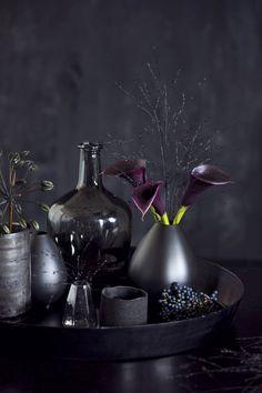 Joulutrendi 2016: mustat joulukoristeet | Meillä kotona Wine Decanter, Barware, Wine Carafe, Tumbler