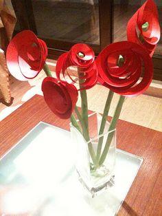 Roses sant jordi amb espiral de cartolina.