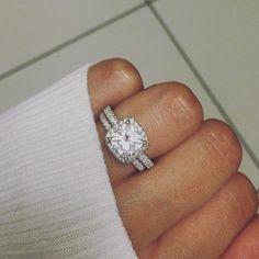 Are you ready to rock her worlD?  #rock #diamond #diamondring #proposal #engagementring #weddingring #jewelry #etsyshop #engaged #ettringoftheday #ringoftheday #bestboyfriend #futurehusband #husband #ilovehim #moon #myman #myfiance #positivevibes #mondaymotivation #mondaymorning #relationshipgoals #bridetobe #weddinginspiration #sweaterweather #theknotring #apbling #moissanite #beautiful #california