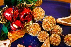 Happy New Year! Raw Vegan, Vegan Vegetarian, Anul Nou, Pop, Ornament Wreath, Happy New Year, Popular, Pop Music, Happy New Years Eve