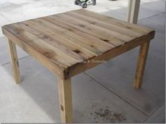 Clever. Instead of removing pallet boards, just fill in the gaps with smaller planks for a table top.
