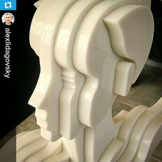 Linda escultura feita em DuPont Corian! Em breve mais fotos!  #arquitetura #designinteriores #designinterior #corian #futurasuperficies #casashopping  #Repost @alexlidagovsky ・・・ #art #sculpture #corian