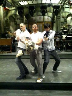 Linkin Park oh miky and chazzy are amazing well of course Dave is amazing too