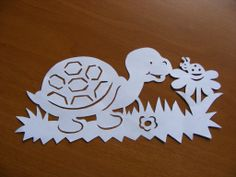 Jolie tortue Vinyl Craft Projects, Vinyl Crafts, Diy And Crafts, Projects To Try, Paper Crafts, Crafts For Kids, Paper Cutting, Wood Carving Patterns, Free Stencils