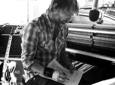 Resultado de imagen para thom yorke piano