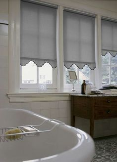 Unbelievable Cool Tips: Living Room Blinds Kitchens bamboo blinds bathroom.Wooden Blinds For Windows sheer blinds drapery panels.Blinds And Curtains Master Bath. Patio Blinds, Diy Blinds, Outdoor Blinds, Bamboo Blinds, Fabric Blinds, Curtains With Blinds, Blinds Ideas, Window Valances, Bathroom Blinds
