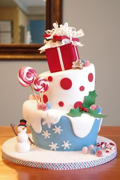 Cute Christmas Cake with Fondant
