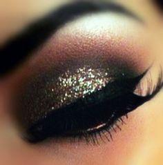 copper, gold, and black eye make-up. dark, but for the evening look Makeup Trends, Makeup Tips, Beauty Makeup, Hair Beauty, Makeup Ideas, Makeup Basics, Pretty Makeup, Love Makeup, Makeup Looks