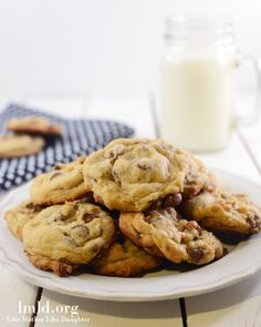 These cookies are the best chocolate chip cookies I have ever had! They are made with pudding which makes them so flavorful, moist and delicious! #lmldfood