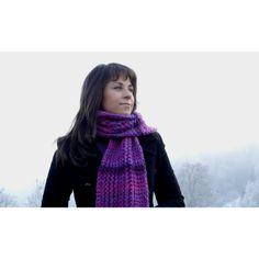 Handgestrickter Schal, Handmade knitted scarf , Echarpe tricotée à la main   www.wolle-stoff.com