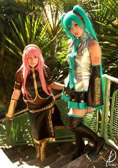 Vocaloid. Characters: Luka Megurime By Miih (Millene), Hatsune Miku By Ju Tsukino. Event: Anime Festival BH 2011. :